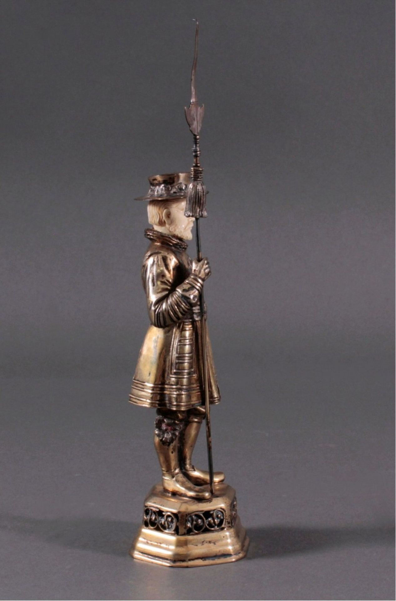 Historismus-Silber-Elfenbein-Figur925er, teilvergoldet/Elfenbein, um 1900 auf durchbrochenem, - Bild 3 aus 6