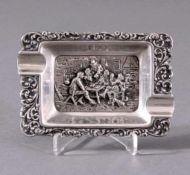Aschenbecher, 17/18. Jh.Punze Darmstadt Silber-Marke, rechteckig mit 2Mulden, reicher Dekor, im