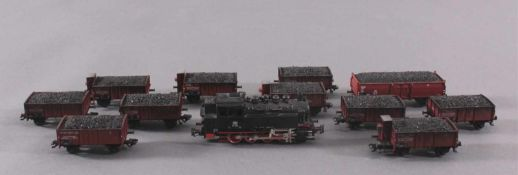 Märklin H0 Dampf-Lok 81 002Mit 11 Kohlewaggons