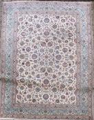 1 OrientteppichFlorales Motivca. 425 x 300 cm