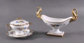 Alka-Kunt, Alboth & Kaiser PorzellanPolychrome Blütensträuße, reiche Goldstaffierungen.Schale im