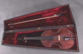 Bratsche wohl aus dem 17. Jhd.Viola de Gamba zur Bratsche umgebaut, fein geschnitzter Kopfam Ende