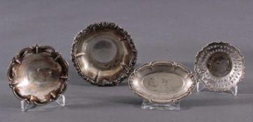 4 Silberschälchen um 19001 rundes Schälchen mit durchbrochen gearbeiteten Rand, 835erSilber, ca. 2 x