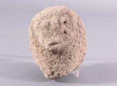 Skulptur - Lausitzer Kultur 900-500 v. Chr.Skulptur in Ahnenkopfform, aus rauem Stein gehauen,ca.