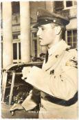 FOTO-AK ELVIS PRESLEY in Uniform als Angehöriger der 2. gepanzerten US-Division in Friedberg/Hessen,