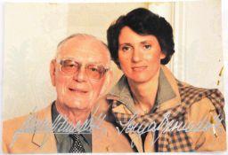 GRAF UND GRÄFIN BERNADOTTE Graf Lennart, 1909-2004, Gräfin Sonja, 1944-2008, bde. m. zahlr. Ehrungen