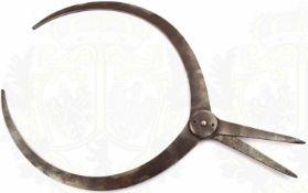 MESSGERÄT FÜR KRANIOMETRIE, Eisen, eingeschlagener Herst. aus Wien, 1. Drittel 20. Jhd., L. 36cm,