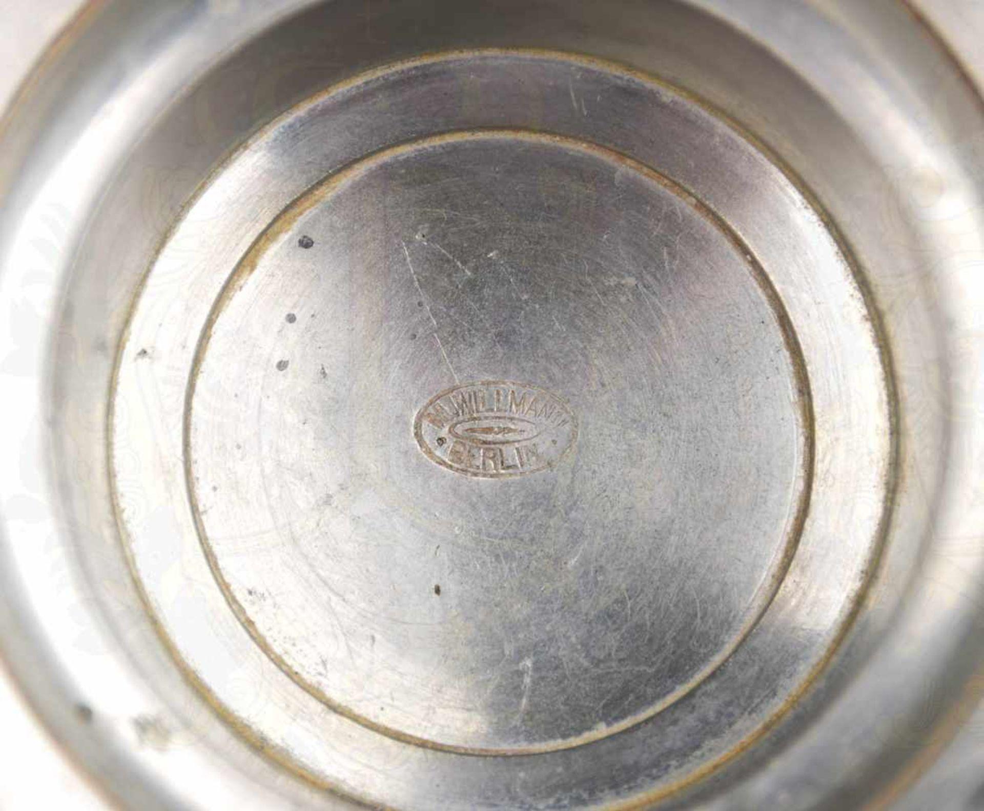 BIERKRUG, 1/2 L., Glas mit schrägen Rillen, gestufter Zinndeckel mit floralen Motiven u. - Bild 3 aus 3