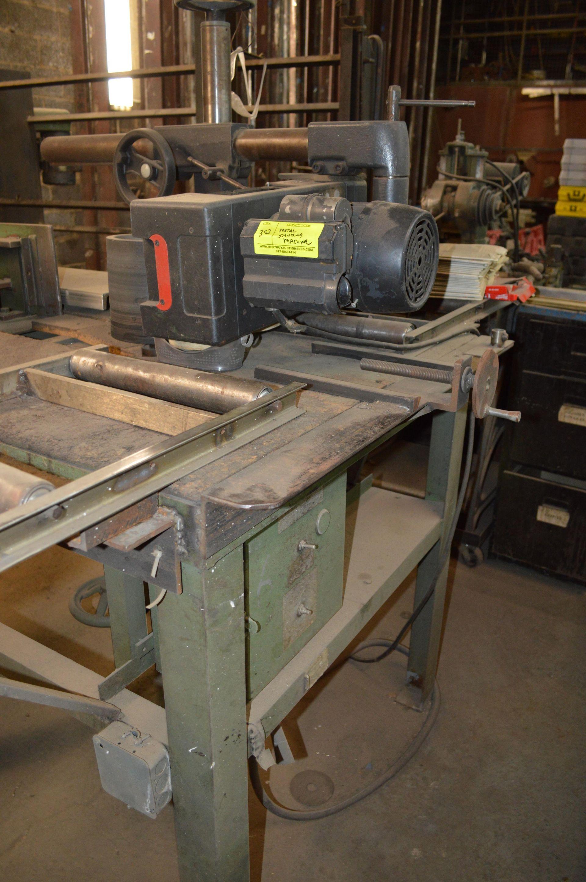 Lot 352 - METAL SANDING MACHINE