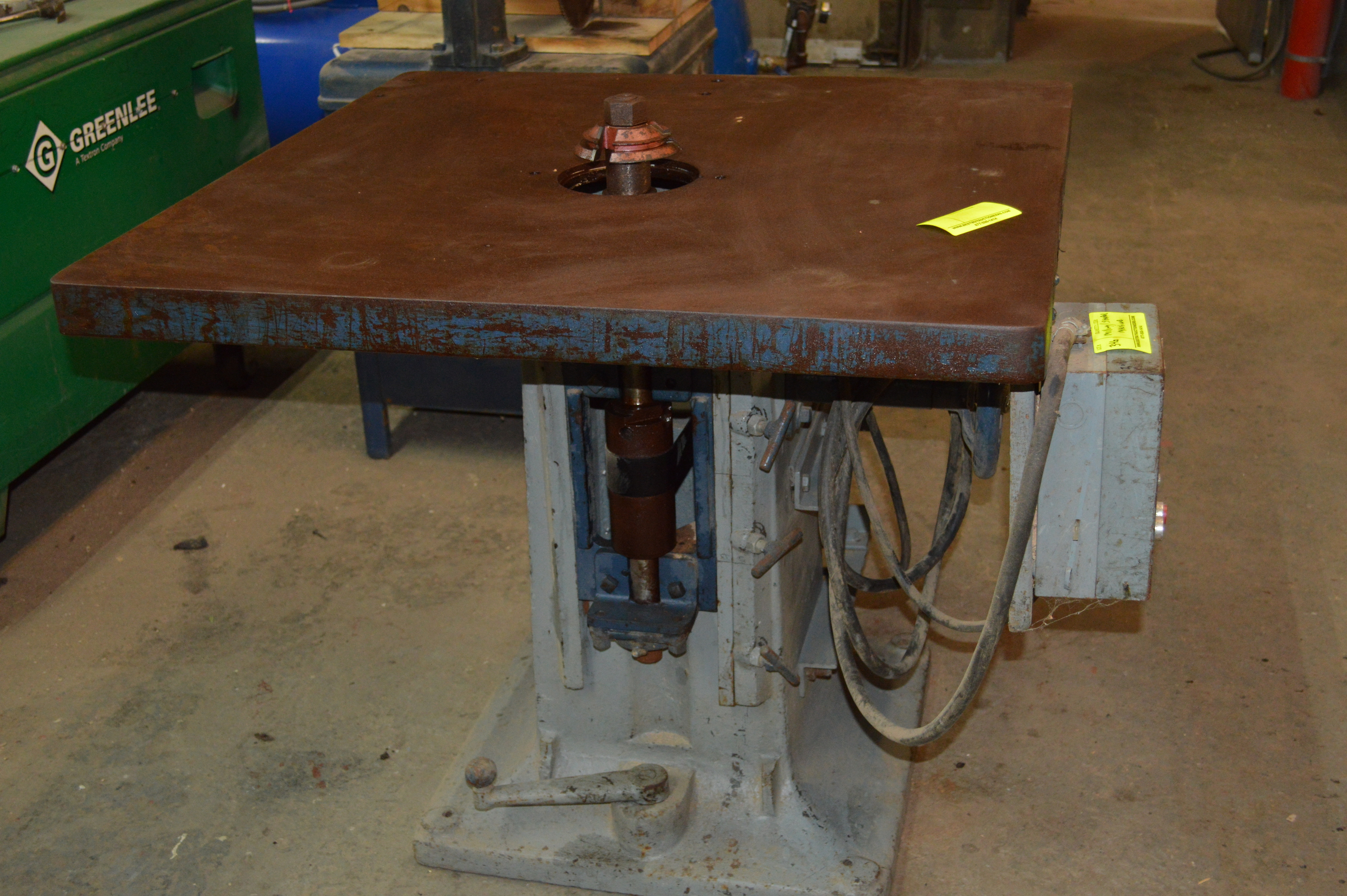Lot 346 - OLNEY AND WARREN MILLING AND TABLE SHAPER