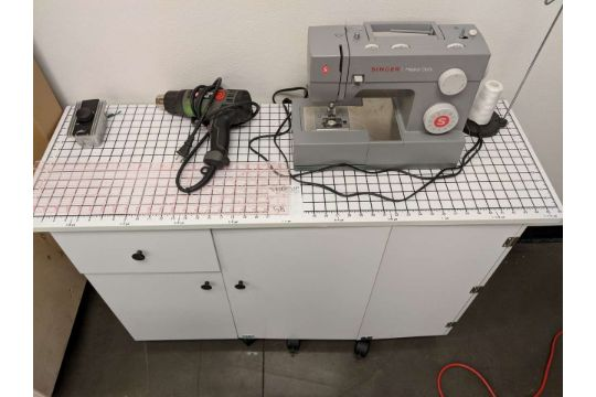 Singer Heavy Duty Sewing Machine W Sewing Table 40quot X 40quot Beauteous Sewing Machines Las Vegas