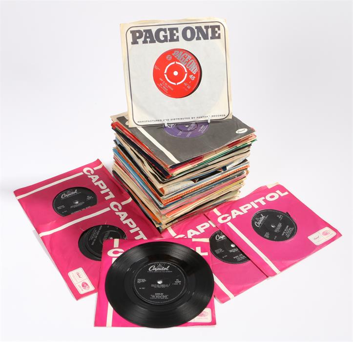 "Lot 26 - 7"" Single Black Vinyl Carrying Case containing app 70 x 1960s/early 70s singles to include The"