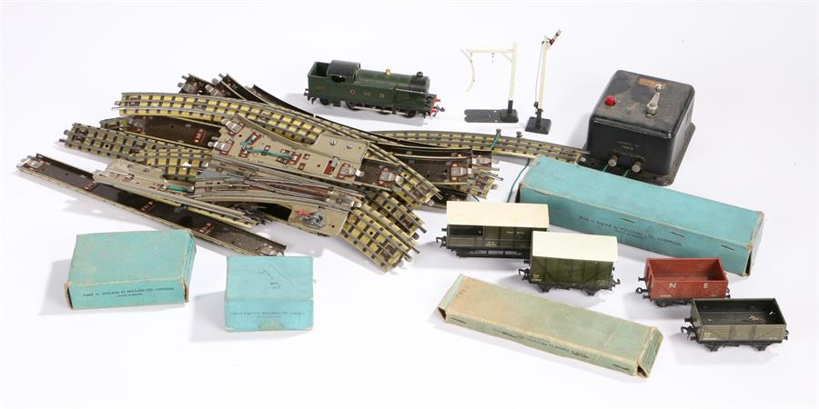 Lot 14 - Hornby dublo railway set to include a GWR engine, rolling stock, track, controller, transformer