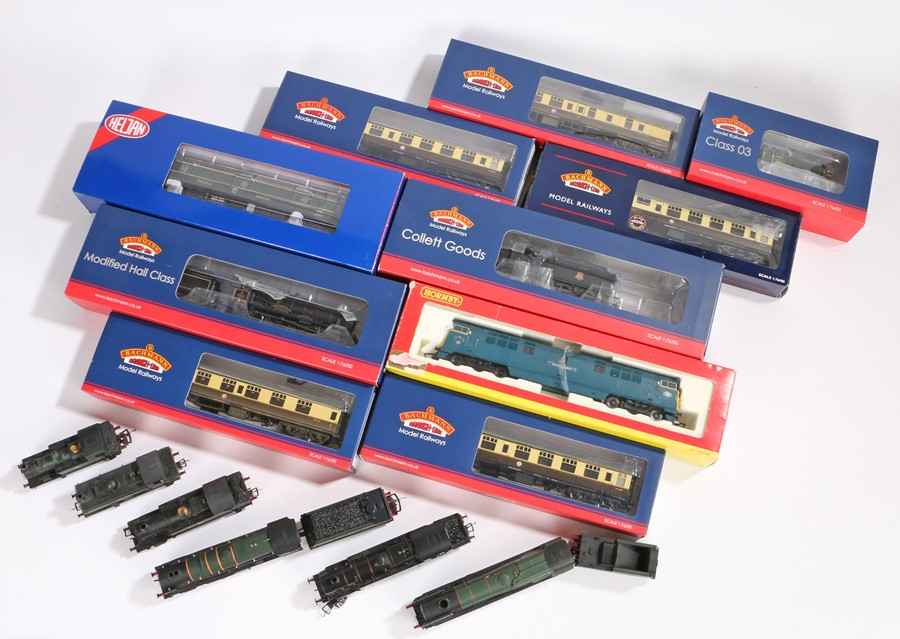 Lot 27 - Bachmann Branch Line Model Railways engines and carriages, 1/76 OO gauge, to include 39-079C BR