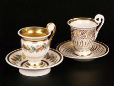 Zwei Biedermeier-Tassen mit Untertassen - 19.Jh.,1x Glockenbecher-Form, hochgezogener