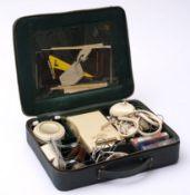Spionagekoffer, um 1957 Aufnahmegerät Minifon P55 mit reichem Zubehör (Kopfhörer,
