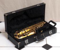 Alt-Saxophon Im Koffer. Unvollständig (Hals fehlt).