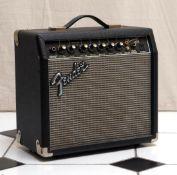 Verstärker, Fender 31x33x18cm.