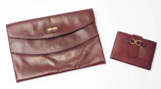 Damenhandtasche (Clutch), Aigner Bordeauxrotes Leder. 17,5x26cm. Dazu ein Geldbeutel, Aigner.