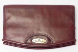 Damenhandtasche (Clutch), Aigner Bordeauxrotes Leder. 18x29cm. Dazu ein Geldbeutel, Aigner.