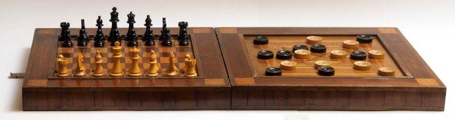 Spielkasten, 1. Hälfte 19.Jhdt. Auf Vorder- und Rückseite intarsiertes Schach- bzw. Mühlebrett.