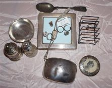 Quantity of silver items plus scrap, including silver pocket tobacco box, silver toast rack,