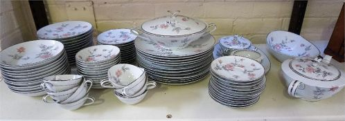 Noritake dinner and tea service, 87 pieces
