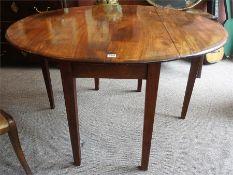 An Early 19th Century Mahogany Gateleg Table