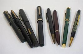 A Mixed Lot Of Vintage Fountain Pens, to include a Parker fountain pen with 14k gold nib, also
