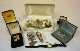 A Large Quantity of Costume Jewellery, to include brooches, wristwatches, necklaces etc, also with