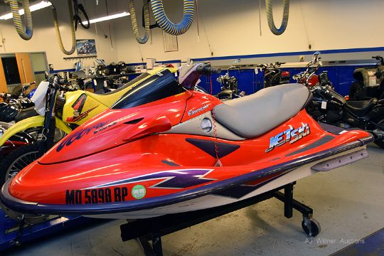 1999 KAWASAKI JET SKI ULTRA 150 WAVE RUNNER RED PURPLE VIN