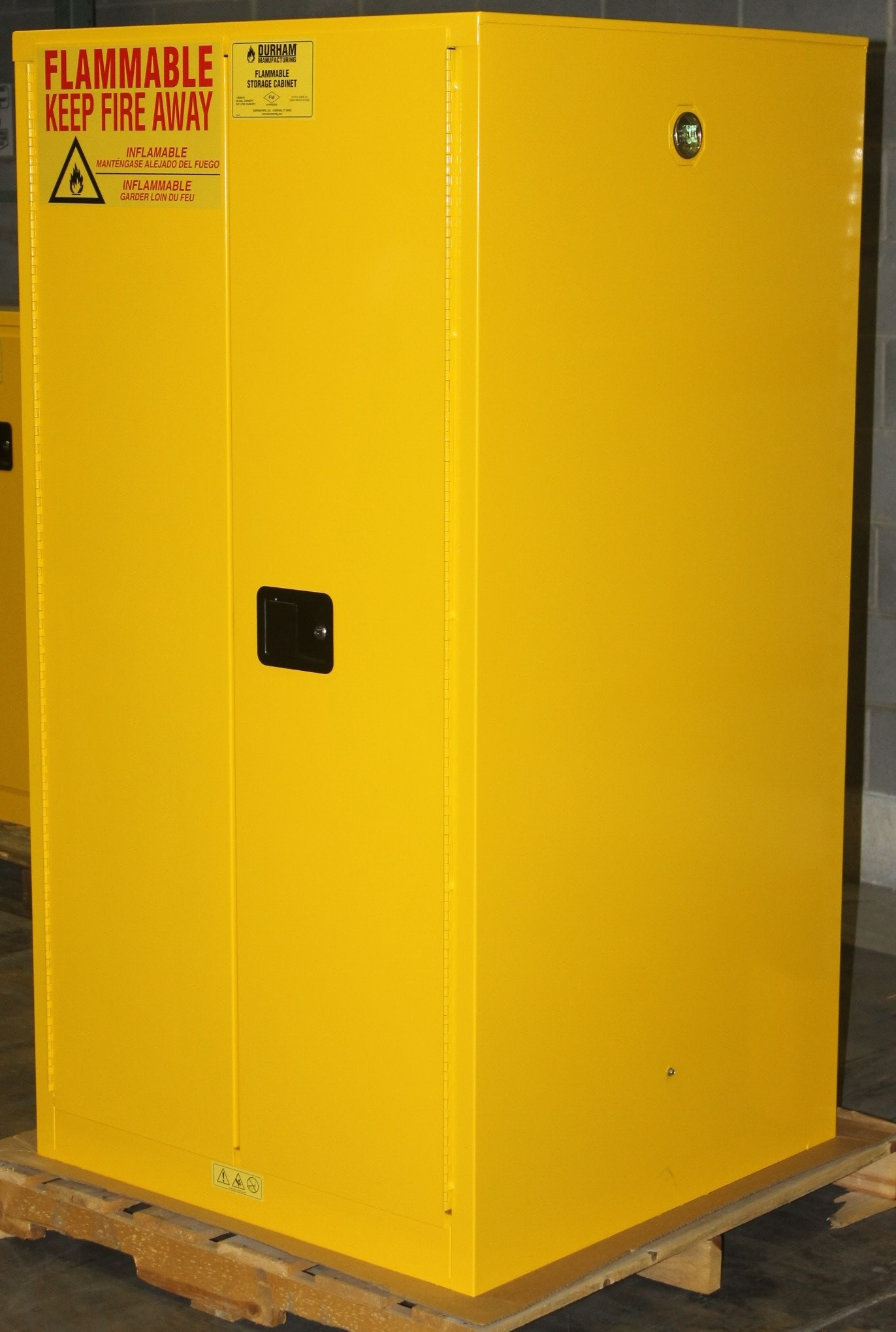 Lot 8 - 60 GALLONS FLAMMABLE SAFETY STORAGE CABINET, NEW