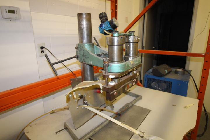 Lot 30 - Weldon P3000 Double Seam Welder System 3phase Pneumatic