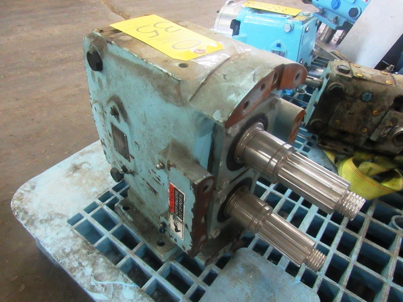 Lot 35 - Waukesha Positive Displacement Pump, missing rotors/pump face