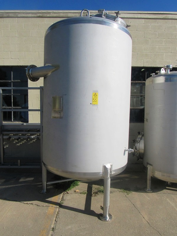 Lot 55 - Lee Industries Model 1100DBT Stainless Steel Single Wall Tank. 1100 gallon capacity