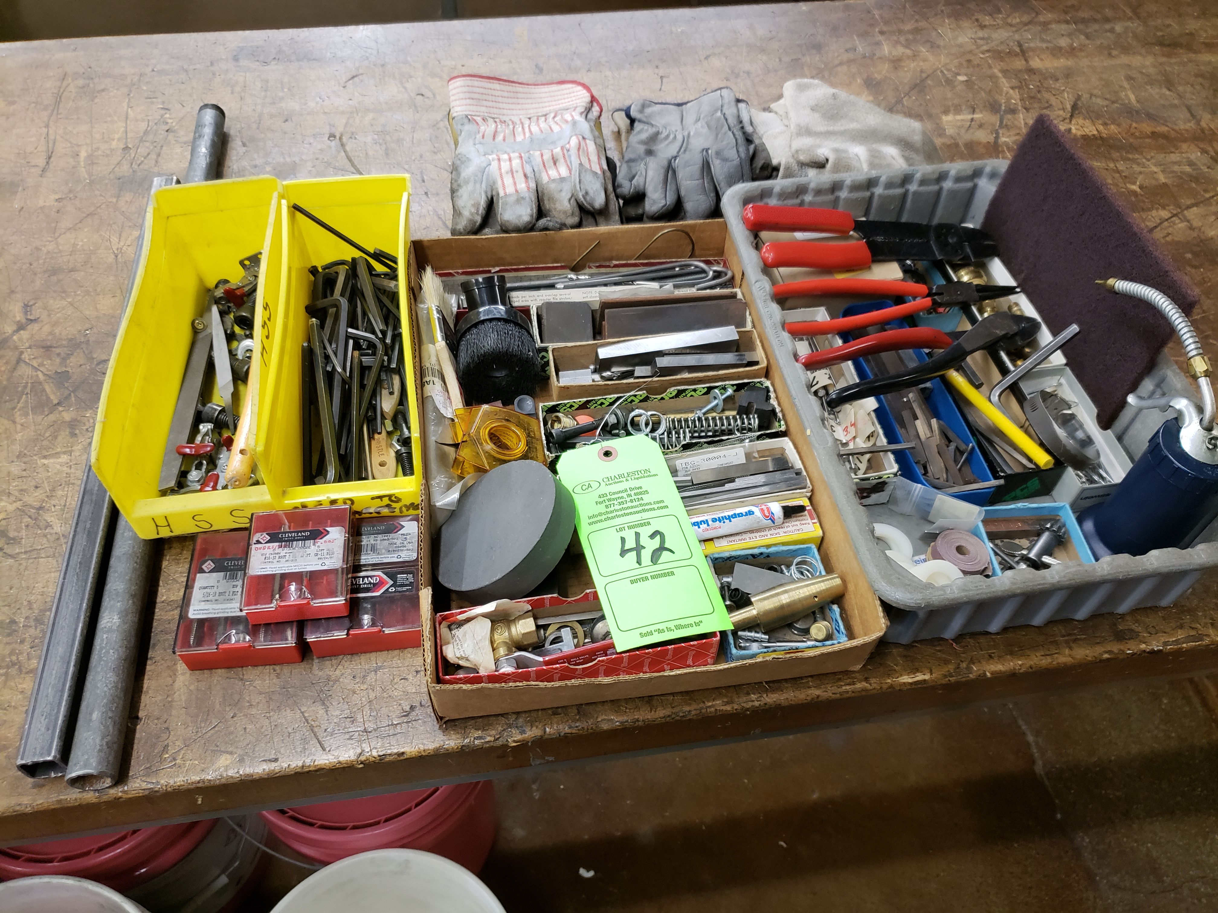 Lot 42 - LOT OF MISC. TOOLS, GLOVES