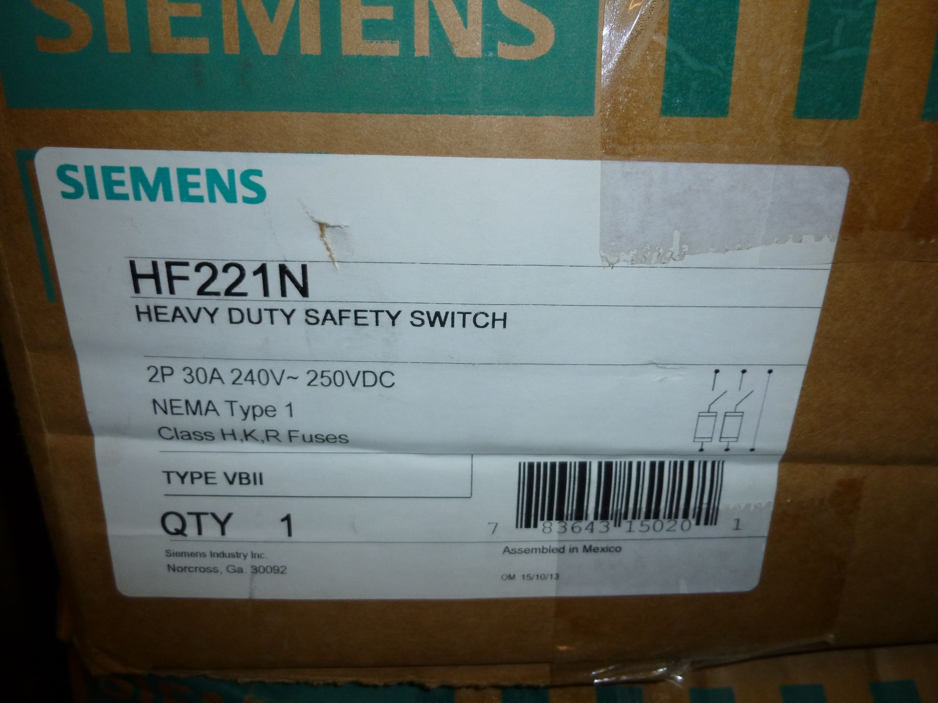 Lot 40 - Qty 3 Siemens model HF221N, heavy duty safety switch, new in boxes