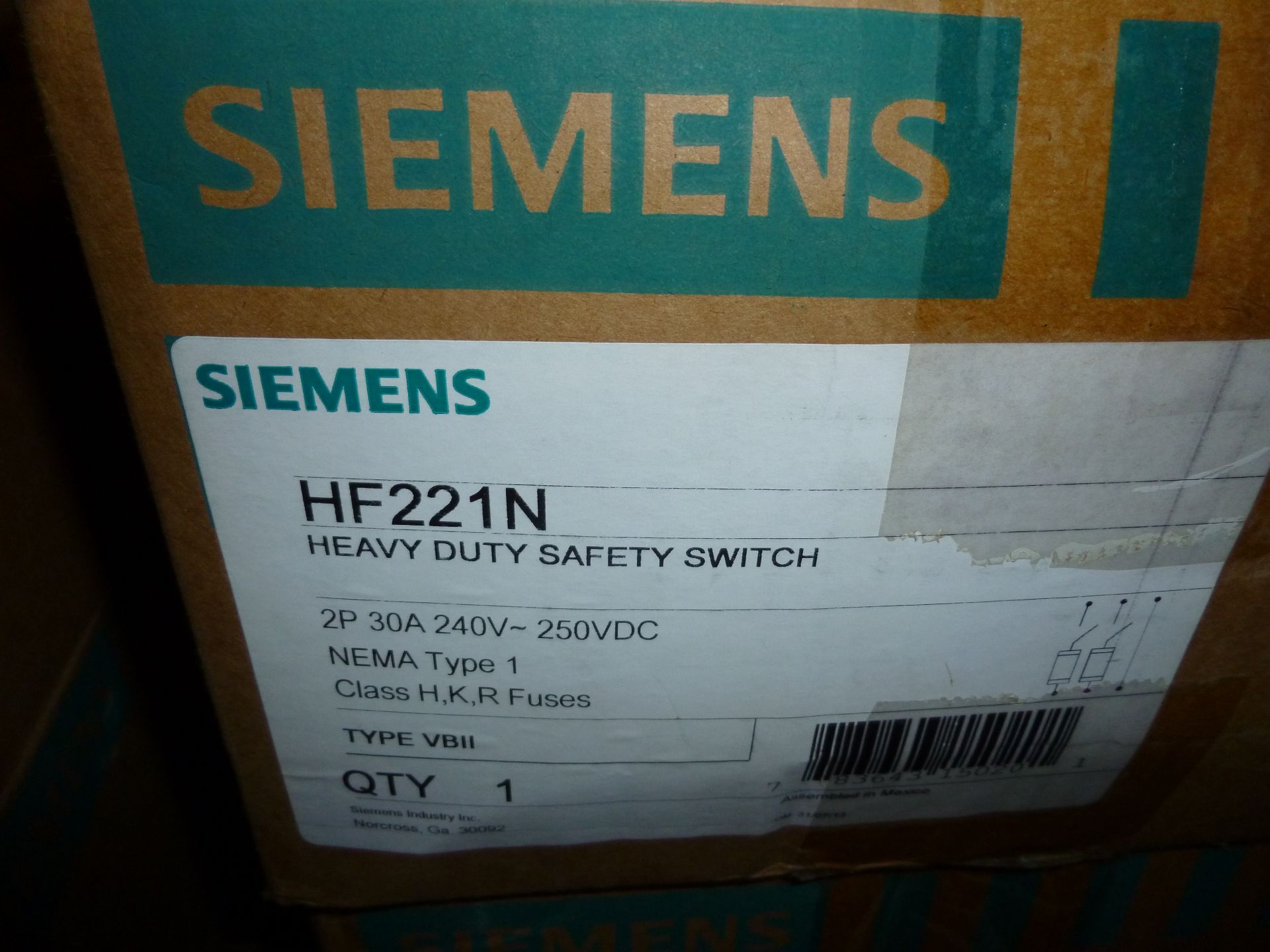 Lot 43 - Qty 3 Siemens model HF221N, heavy duty safety switch, new in boxes
