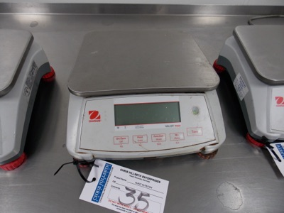 Lot 35 - OHAUS 15 Lb Capacity Scale | Digital Scale, 15lb Cap. | MODEL# Valor7000 | SERIAL# 8335100618 | *