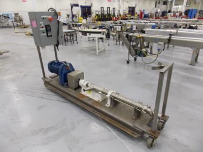 Lot 111 - Moyno pump system with variable speed