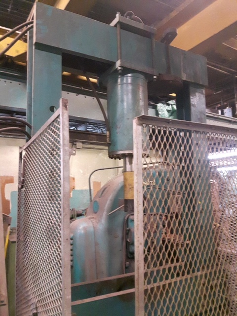 Lot 13 - 120 TON HYDRAULIC PRESS, 50 INCH BED, 48 INCH OPENING, ADJUSTABLE BED, WITH HYDRAULIC UNIT