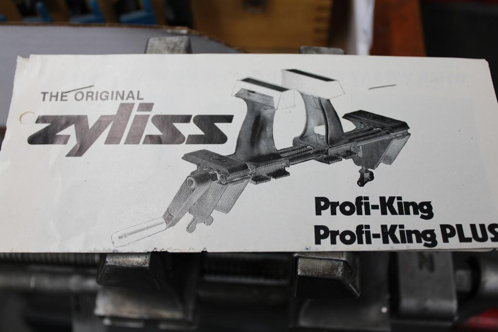 Lot 3 - Zyliss Vise w/ Accessories