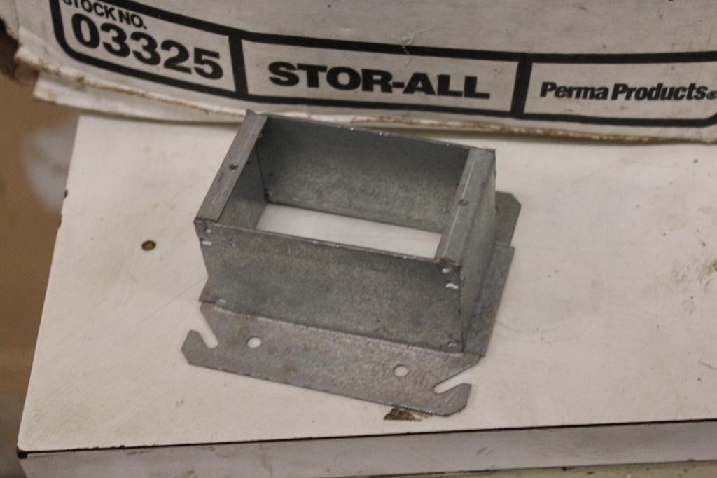 Lot 10 - 1900 box extension covers