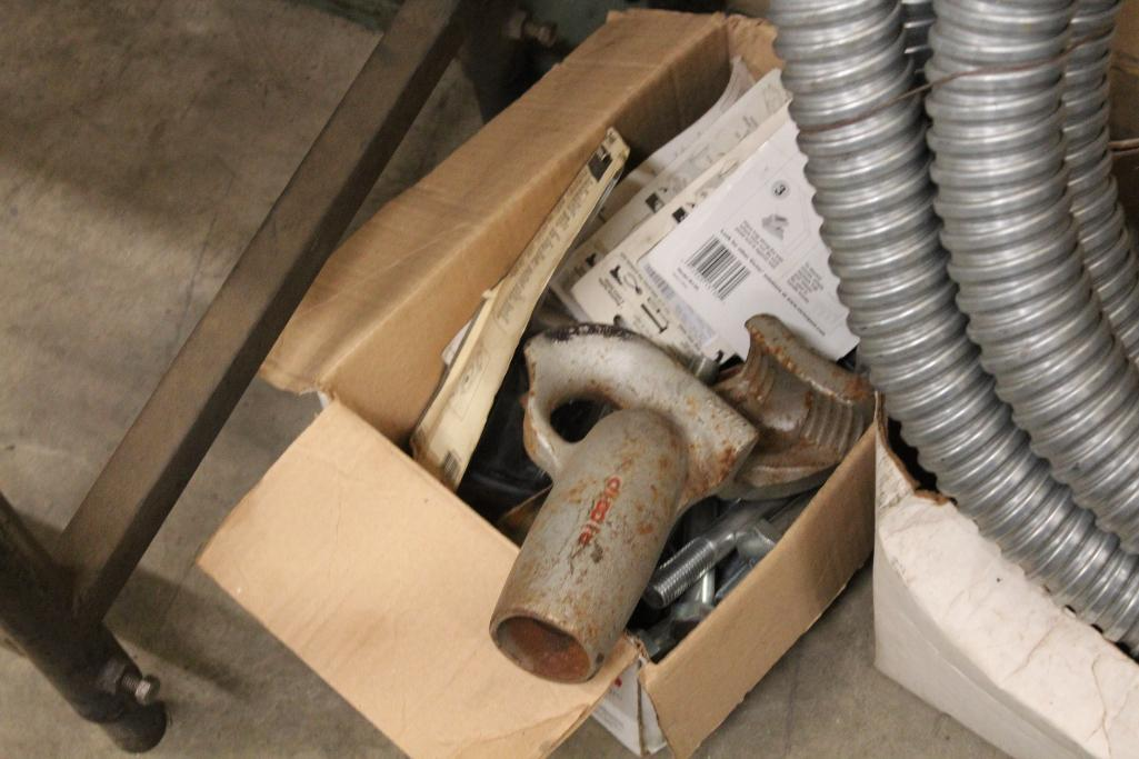 Lot 34 - Electrical supplies