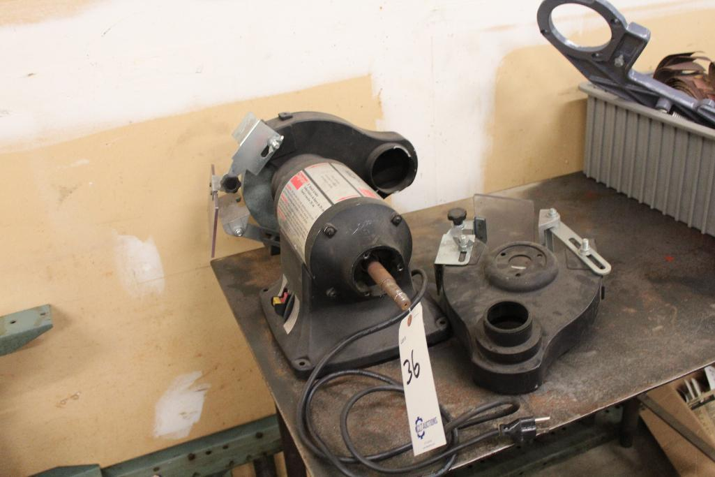 Lot 36 - Dayton 4Z909C .75 hp, 1ph bench grinder