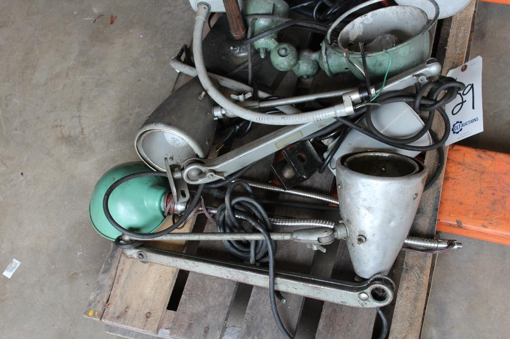 Lot 29 - Machinery lights