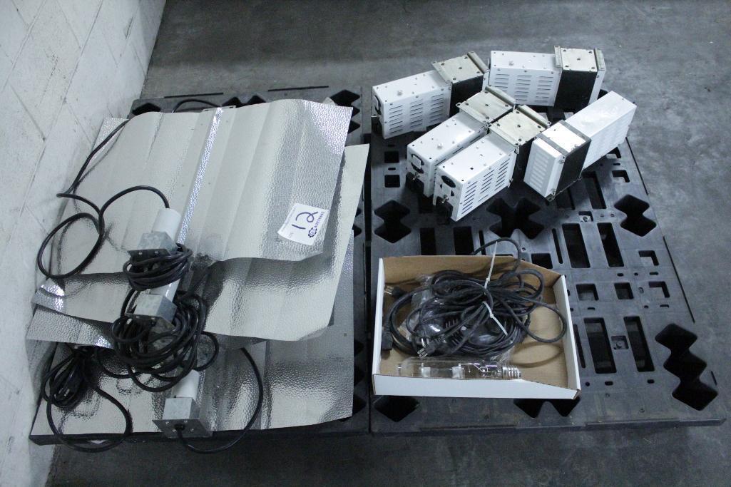 Lot 12 - Sun System ballast w/ reflectors & bulbs LS-CWA-MH/HPS 1000 A/2T