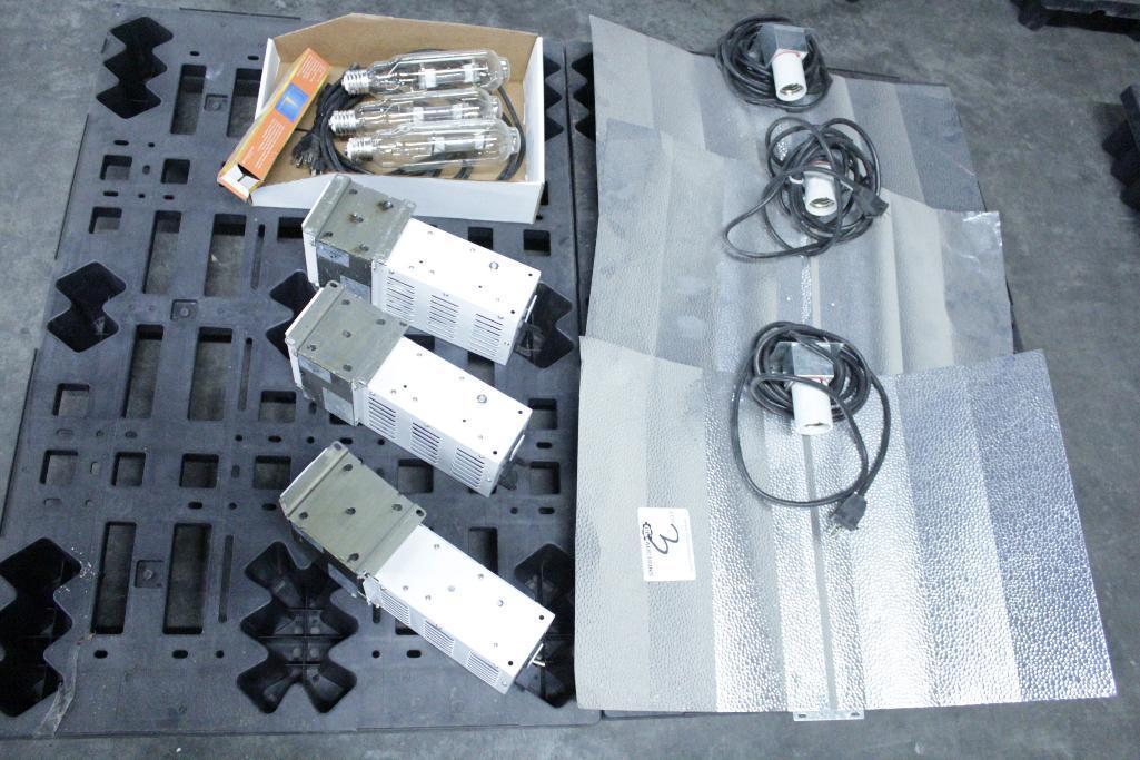 Lot 3 - Sun System ballast w/ reflectors & bulb SLS-CWA-HPS600A / 2T