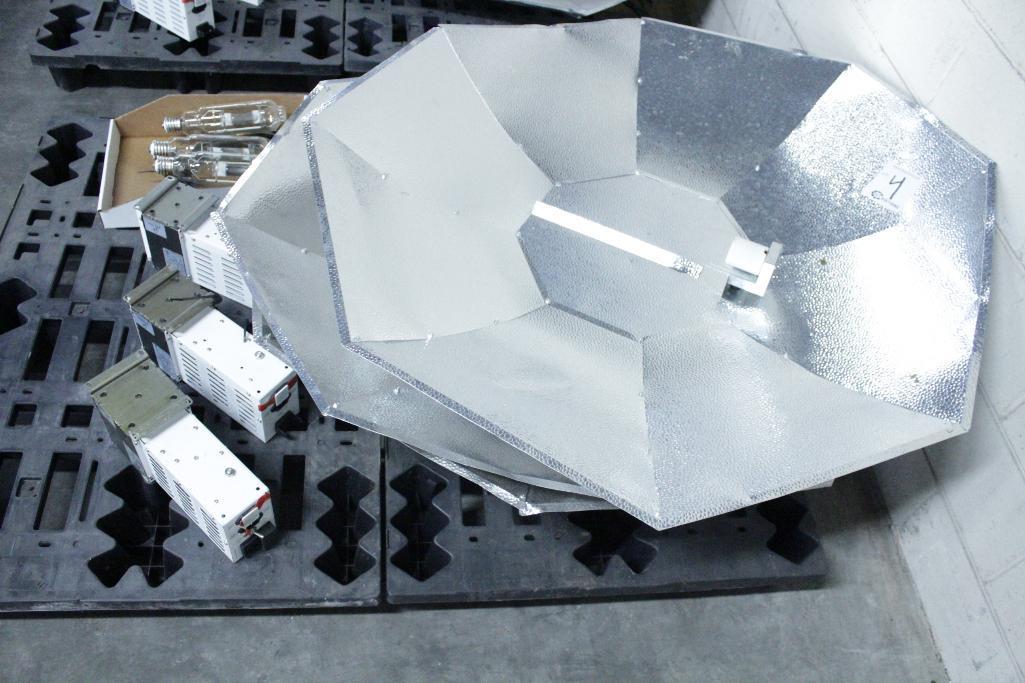 Lot 4 - Sun System ballast w/ reflectors & bulb SLS-CWA-HPS600A / 2T