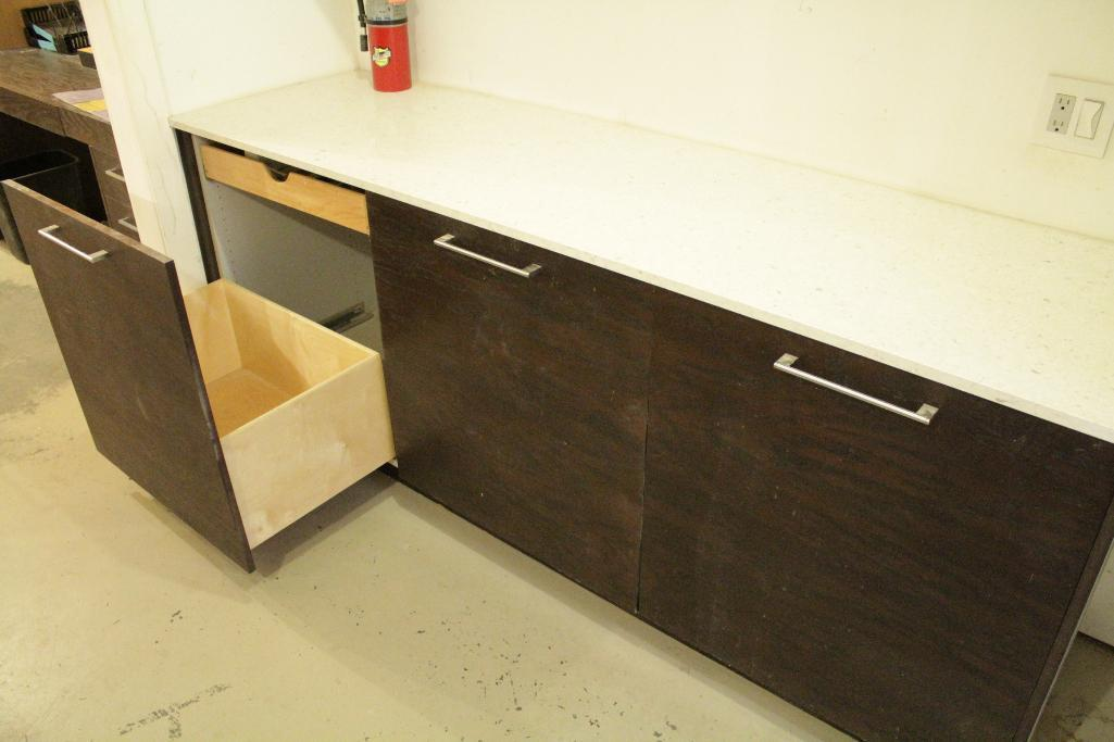 Lot 10 - Display Kitchen cabinets